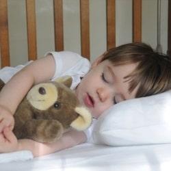 «Спи спокойно», или как избавится от проблем со сном у детей раннего возраста