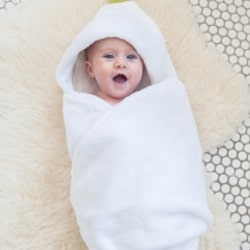 Bathe a newborn: what you need to prepare, tips for bathing in babies