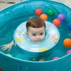 Circle for swimming: buy the right circle, how to use a circle, bathe a baby in a swimming circle