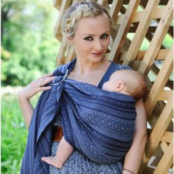 How to choose a sling for newborns?