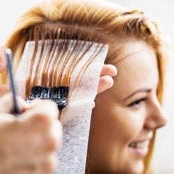 Красить ли волосы при грудном вскармливании?