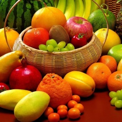 Fruits during lactation: what kind of fruit can be eaten during lactation, how to choose, the reaction of the newborn, what is the use of the fruit