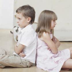 Как научить ребенка извиняться? Советы психолога