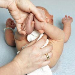 Как собрать мочу у грудного ребенка?