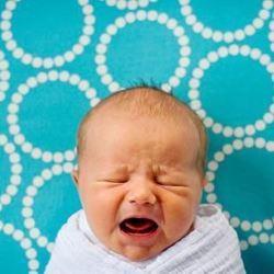 Как успокоить плачущего младенца: несколько полезных советов